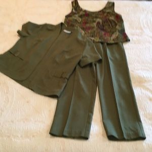 Sag Harbor 3 piece outfit.